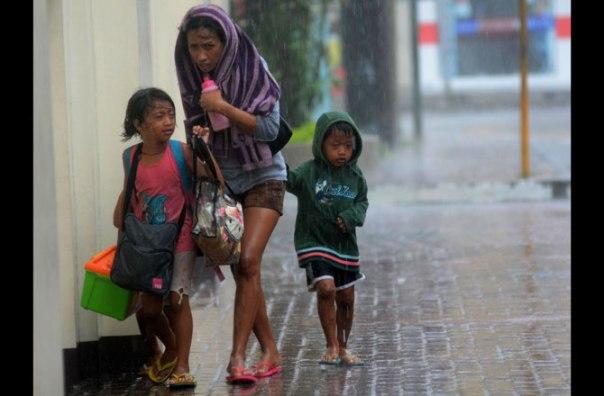 typhoon-haiyan-mom